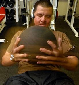 Träning med en medicinboll